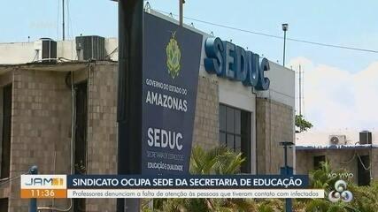 Em Manaus, sindicato ocupa sede da secretaria de Educação do Amazonas