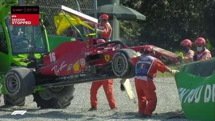 GP da Itália: equipe de remoção derruba carro da Ferrari