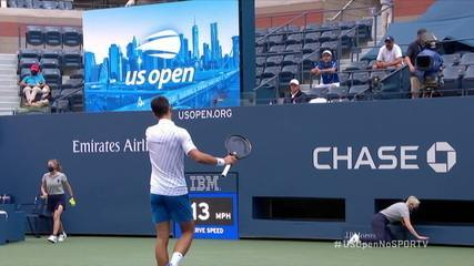 Djokovic dá bolada em árbitra de linha e acaba desclassificado do US Open