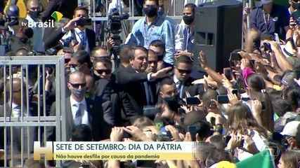 Sem desfile devido à pandemia, Bolsonaro gera aglomeração em ato do 7 de Setembro