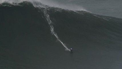 Maya Gabeira bate novo recorde mundial de maior onda surfada por uma mulher: 22,4m