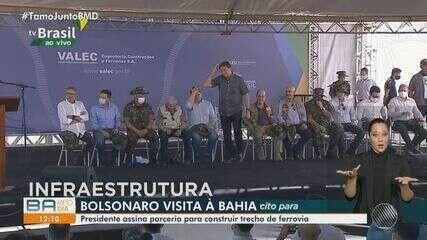 Jair Bolsonaro visita cidades do oeste baiano e assina parceria para obras de ferrovia