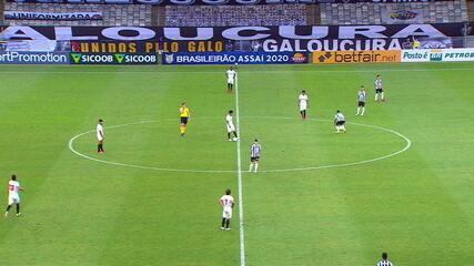 Gol do Atlético-MG! Keno cruza e Savarino livre, chuta para o gol, aos 41' do 2º T