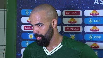 """Sandro comenta sobre a vitória do Goiás: """"Essa vitória foi muito bom para o grupo e para nos unir cada vez mais!"""""""