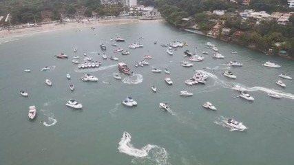 Drone mostra festa com dezenas de barcos de luxo em meio à pandemia no litoral de SP