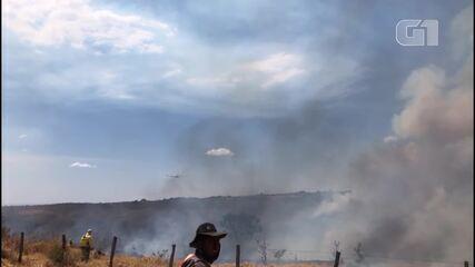 Bombeiros controlam queimada na região do Lago Oeste no DF