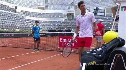 Árbitro chama Djokovic de Federer, e sérvio não gosta muito no Masters 1000 de Roma