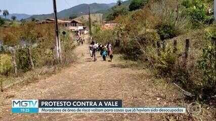 Moradores de comunidade em Barão de Cocais deixam casas após negociação com a PM