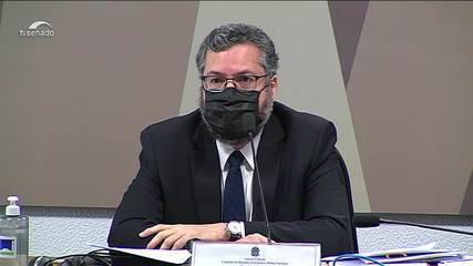 'Nao faz muito sentido pensar nisso como uma plataforma eleitoral', diz Ernesto Araújo