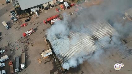 Polícia conclui inquérito sobre incêndio em galpão da Ceagesp de Bauru
