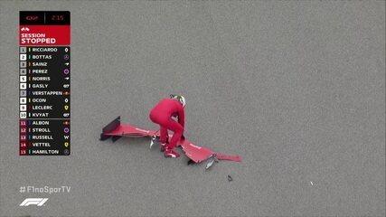 Vettel recolhe asa do carro após acidente no treino do GP da Rússia