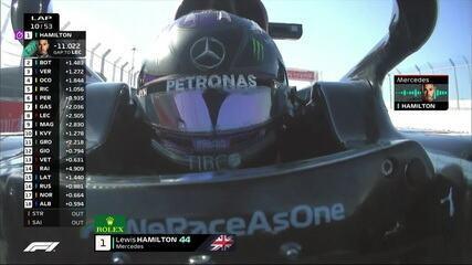 Hamilton reclama pelo rádio de punição de 10 segundos no GP da Rússia