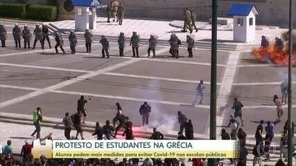 Estudantes na Grécia protestam por mais medidas de segurança contra Covid-19