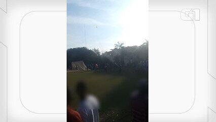 Polícia investiga partida de futebol em São Gonçalo onde homens atiram para o alto