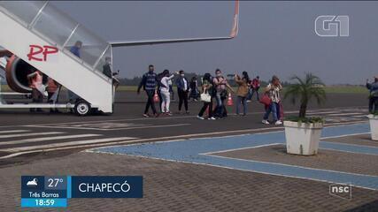 Venezuelanos chegam a SC para trabalhar em indústria de alimentos
