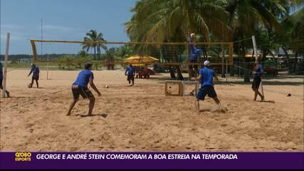 George e André Stein comemoram a boa estreia na temporada do vôlei de praia