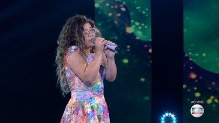 Maria Eduarda Ribeiro canta 'De Volta Pro Aconchego'