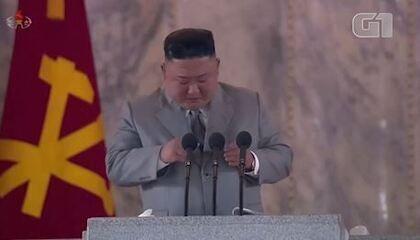 Kim Jong-un se emociona ao discursar na Coreia do Norte