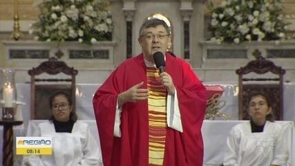 Padre Cláudio Scherer tem alta da UTI após contrair Covid-19