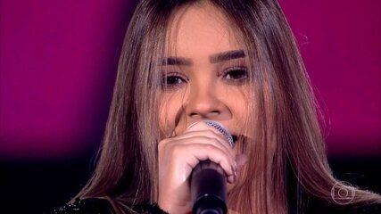 """Mayra Rodrigues canta """"Viva Voz"""""""