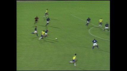 Em 2004, Brasil empatou sem gols com a Colômbia no Rei Pelé