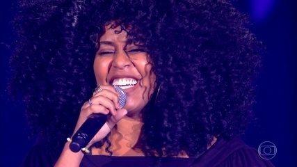 """Aline Souza canta """"A Loba"""""""