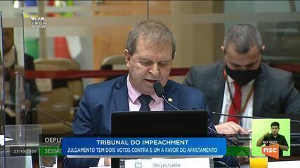 Deputado Maurício Eskudlark fala no tribunal de julgamento