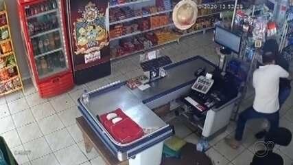 Homem é preso após roubar mercado e tentar matar o dono em Tabatinga