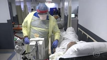 Hospitalizações por Covid-19 nos EUA aumentaram 40% no último mês