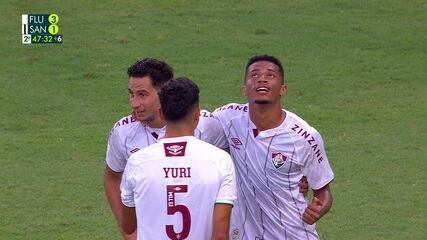 Gol do Fluminense! Ganso cruza rasteiro para Marcos Paulo só tocar para o fundo da rede, aos 47 do 2º tempo