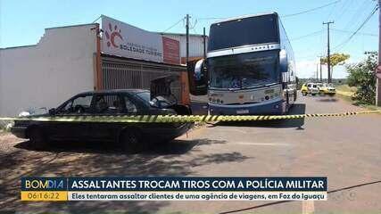 Assaltantes invadiram agência de viagens em Foz do Iguaçu