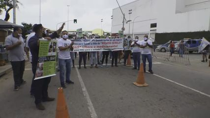 Famiiares de homem internado no Hospital Santa Izabel fazem protesto e cobram remédios