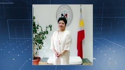 A embaixadora filipina flagrada batendo na empregada terá que voltar para o país