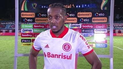 """Moisés comemora vantagem sobre o Atlético-GO e fala sobre gol: """"Dediquei ao Boschilia"""""""