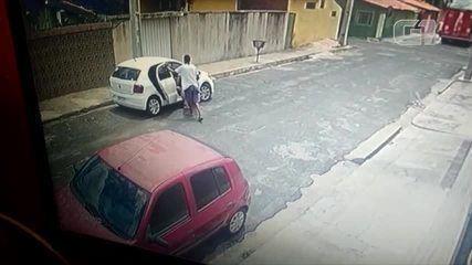 Criminoso leva cachorro dentro de carro roubado em assalto em Teresina
