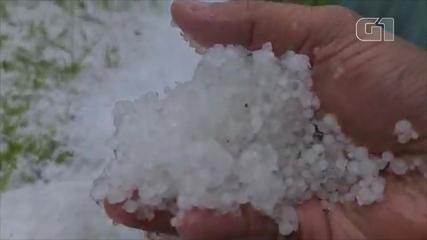 Serra catarinense registra chuva de granizo