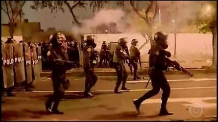 Quarto dia de protestos violentos no Peru contra a destituição do presidente Vizcarra