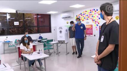 Paulo Messina vota em Botafogo, Zona Sul do Rio