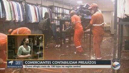 Comerciantes de São Carlos contabilizam os prejuízos após forte chuva