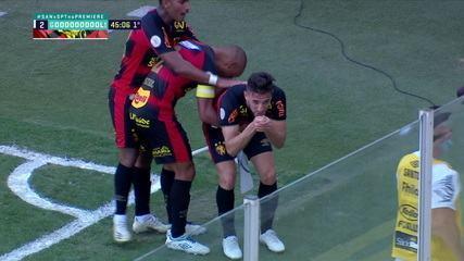Gol do Sport! Leandro Barcia recebe cruzamento e balança as redes para empatar, aos 45' do 1° tempo