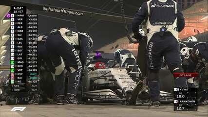 Kvyat paga punição com ida para o pit stop