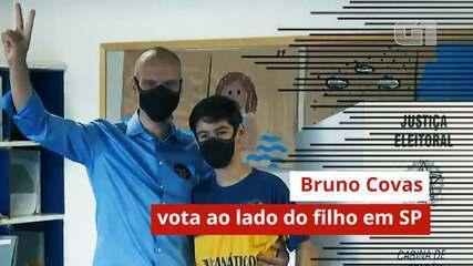 Bruno Covas vota ao lado do filho na zona oeste de São Paulo