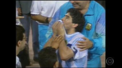 Dependência química, máfia italiana e doping: a vida de excessos de Maradona
