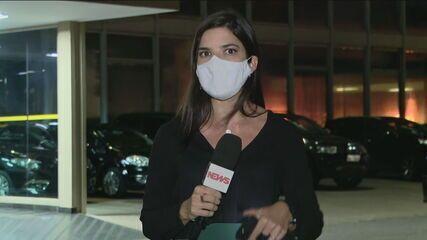 Governo prevê privatizar Correios e Eletrobras no fim de 2021