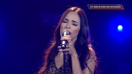 Luciana Ribeiro canta 'I Put A Spell On You' nos Shows ao Vivo