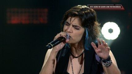 Larissa Vitorino canta 'Wonderwall'