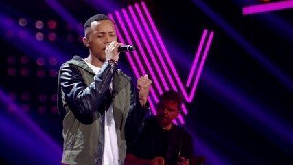 Victor Alves canta 'Atrasadinha'
