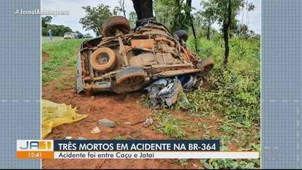 Acidente de trânsito deixa três pessoas mortas na BR-364