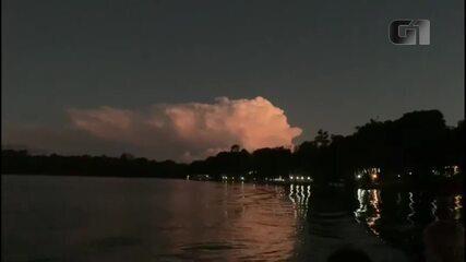 Nuvem com raios chamou a atenção em Campo Mourão