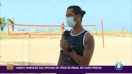 Harley Marques faz oficina de vôlei de praia em João Pessoa